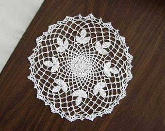 White Clover Decor Crochet Lace Doily, Country Cottage Chic, Farmhouse Table Decor, Clover Art, Spring Decoration, 11 Inch Doily