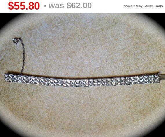"""Summer Sale Beautiful """"Weiss"""" tennis bracelet"""