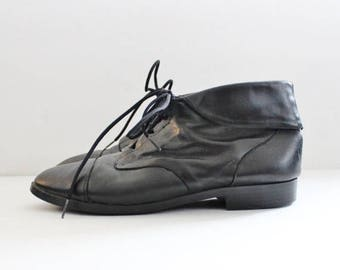 50% half off sale // Vintage Ankle Granny Pixie Black Leather Boots // Women 7M // Prima Royale