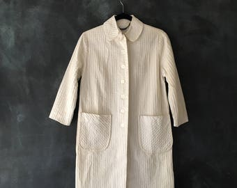 50s 60s White Pintuck Pintucked Cotton Jacket Duster Mexican Wedding Fabric Boho Hippie  Ladies Size S