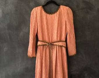 80s William Pearson Blush Crinkled Silk Maxi Renaissance Long Sleeve Fitted Boho Hippie Dress XS/S