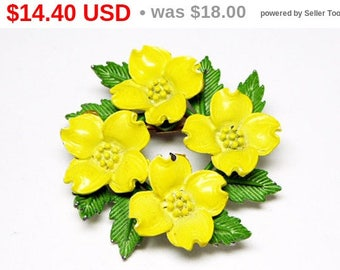 Spring Fling Sale Yellow Dogwood Flowers Brooch - A wreath of Yellow Enamel Flowers  & Green Leaves - Mid Century 1950s 1960s Vintage Pin...