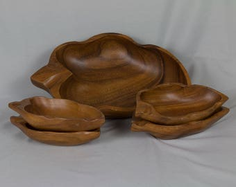 Leaf shaped salad bowl set Monkey pod wood 1 Large / 4 small bowls Made in the Philippines Retro vintage