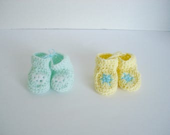 Mint Green and Yellow Pastel Star Booties Matching Set of 2 Great for Preemie Twins Little Infant Early Babies Gender Neutral