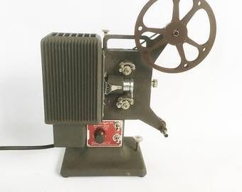 Working 1940s-50s Kodascope Eight 33 - 8mm Movie Projector - Art Deco Style