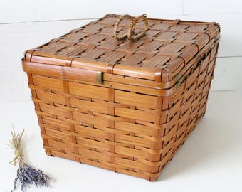 Vintage basket made in Japan Picnic basket