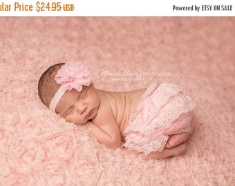 ON SALE Pink Baby Bloomers and headband, pink lace bloomers, pink diaper cover, newborn photo prop, baby girl photography prop