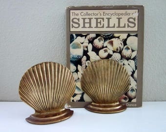 Vintage Pair Brass Seashell Bookends -  Clam Shell Bookends, Beach Cottage - Shabby Chic Tarnished Shell Bookends - Library - 1960s Brass