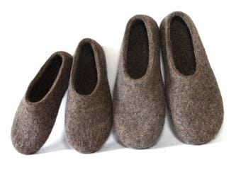 Mommy and Me Felt House Slippers Set 2 pairs Naked wool slippers, Indoor House Shoes, Wife Gift Husband Gift, Handamde Slippers Eco Friendly