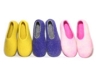 Felted wool slippers 8 US Size Ready to ship, Womens house shoes, Girls Wool Slippers, Pink slippers, Gift for Mom, Warm slippers for Winter