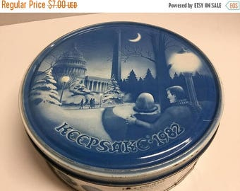 Sale Vintage Keepsake Fruitcake Cookie Tin 1982 Christmas Cookie Tin Collector Fruitcake Cookie Tin