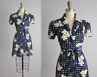 70's Mini Dress // Vintage 1970's Daisy Print Floral Print Festival Mini Dress XS