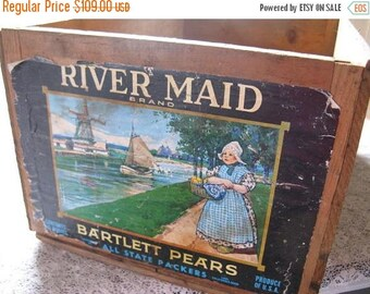 Vintage River Maid Pear Crate Paper Label Rustic Cottage Chic