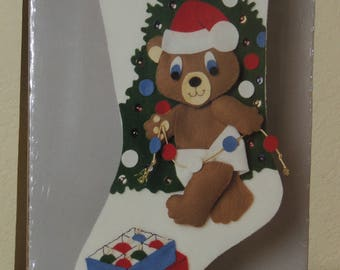 BERNAT 9 x 18 Felt Christmas Stocking Kit never opened
