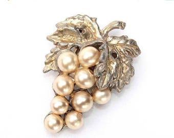 20% OFF SALE - 1930s Faux Pearl Grape Cluster Fur Clip