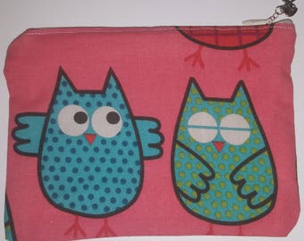 Pouch /coin purse with a lovely owl print. Zipper and lining.