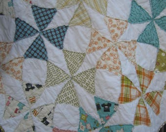 Vintage Baby..........A Fray Edge Circle Quilt......Beach Theme    Baby/Toddler Girl....Ready to Ship