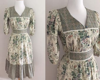 Vintage Gunne Sax Style Dress | 1970s Floral Hippie Dress | 70s Cotton Prairie Sun Dress ?70s Calico Floral Dress | 70s Gypsy Dress