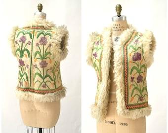 Vintage Embroidered Shearling Vest// 70s Shearling Embroidered Sheepskin Vest Fur Boho TIBETAN Afghan Jacket Tribal Vest Small