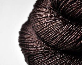 Burnt cacao beans - Merino/Silk Fingering Yarn Superwash