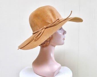 Vintage 1970s Hat / 70s Floppy Boho Camel Wool Wide Brim Hat