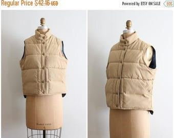SALE SALE 70s LL Bean ladies puffer vest - khaki & navy blue / vintage Bean vest - 70s campus style / 80s preppy jacket - Fall quilted vest