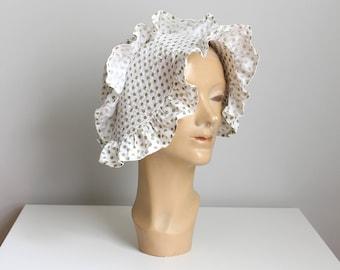 vintage 30s cotton sunbonnet - ladies polka dot bonnet / Depression era bonnet - garden hat / prairie costume - vintage soft cotton hat