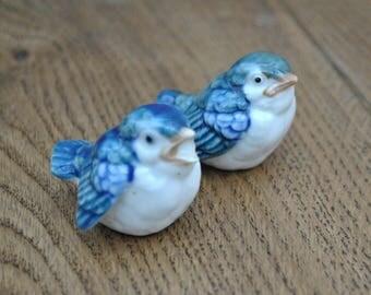 Vintage pair of china bird figurines - Blue & white