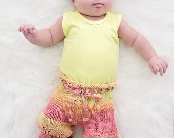 Baby Pants Knitting PATTERN, Gracie Ruffled Pantaloons in Newborn Size, Colorful Knit Pants, Photography Prop, Newborn Props, Shower Gift