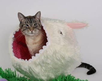 Summer Sale Vorpal Rabbit Easter Bunny White Faux Fur Cat Ball, a Fantasy Monster Cat Bed for funny pets