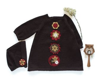 ON SALE Knitted baby dress, cap, in brown with felt flowers. 100% wool. READY To Ship size newborn.