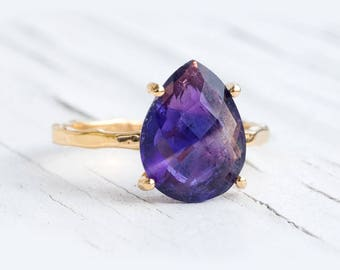 Purple Amethyst Ring Gold, February Birthstone Ring, Solitaire Ring, Ultra Violet Ring, Stacking Ring, Tear Drop Ring, Prong Ring, Unique