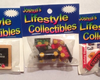 Miniature dollhouse Accessories set of 3