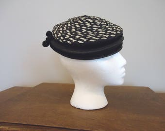 Vitnage Black and White hat,  Retro Hat, Derby Hat, Womens Accessories, Boho style, French vintage, Black and White Check hat