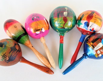 5 Maracas Shakers Percussion Instruments Full Sized