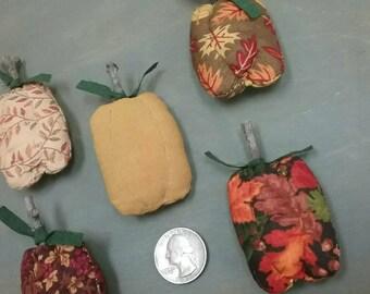 Small Pumpkin Bowl Fillers - Set of 5 - Primitive Fall Decor - Mini Fabric Stuffed Pumpkins - Autumn Table Decor - Fall Tucks