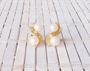 Vtg Givenchy Pearl & Gold Clip Earrings, 1980's, Runway, ClipOns, Designer Signed, givenchy Paris New York, Glam, High End, Wedding earrings