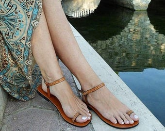 ON SALE Barefoot Sandals, Ankle Strap Sandals, Toe Ring Sandals, Flat Leather Sandals, Strappy Sandals, Unisex Sandals With Imprints - DREAM