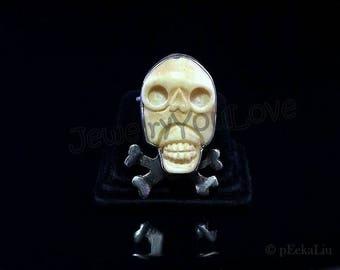Strling Silver / Cow Bone Skull Ring