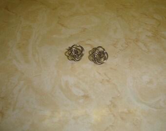vintage screw back earrings silvertone knot