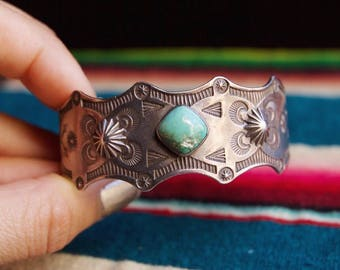 VC-14,Fred Harvey era, Native American vintage sterling silver and turquoise cuff bracelet,