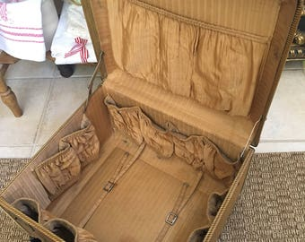 Vintage Large Travelaire Tweed Suitcase - Traincase - Luggage - Make-up Case - Vintage Suitcase