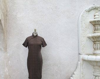 1/2 Off SALE Silk Cheongsam, Classic Chinese Dress, 1950 Brown Silk High Neck Sheath
