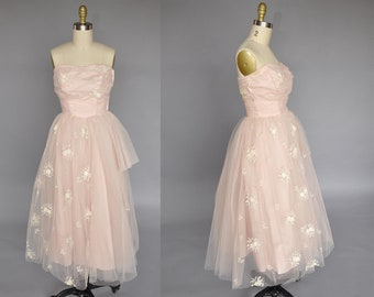 1950s pink tulle dress | sleeveless pink party dress | vintage 50s cupcake dress | floral detail XXS