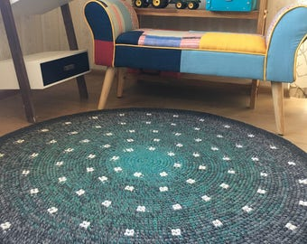 Beautiful hand crochet spotty rug, perfect for a nursery, 47'' in diameter, ready to ship