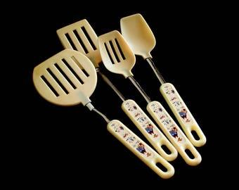 Korea Plastic Spatula, Round Spatula, Basting Spoon, Slotted Spoon, Kitchen Utensils, 1980s Country House Design
