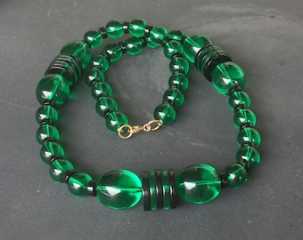 Amazing Art Deco Revival Acrylic big bead green and black necklace