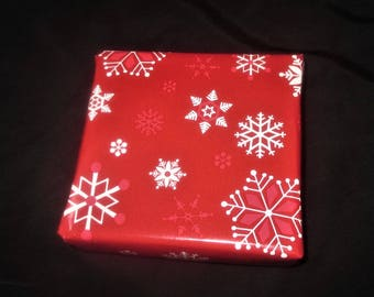 Red Snowflake--Holiday Gift Wrap