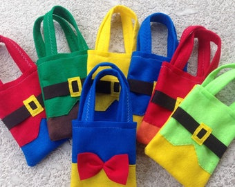 SNOW WHITE and 7 DWARFS / felt party bags/ party supplies / set of 10 bags
