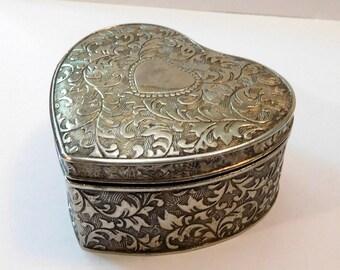 Vintage METAL HEART Shaped BOX - Jewelry Trinket Treasure - Lined